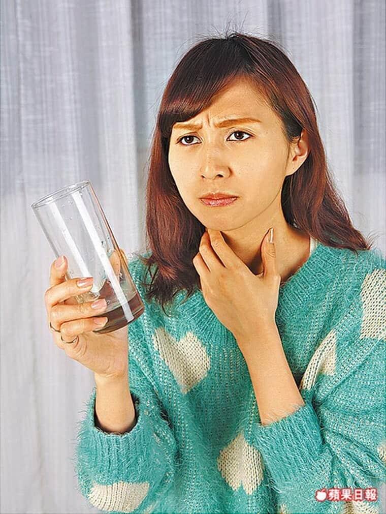 口腔乾燥易口臭蛀牙-柏登牙醫-牙周口臭知識-1