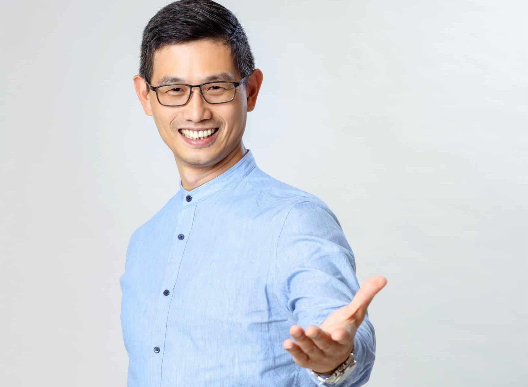 脊椎保健達人-身體智慧執行長-鄭雲龍-柏登牙醫看診分享推薦