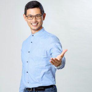 脊椎保健達人-身體智慧執行長-鄭雲龍-柏登牙醫看診分享推薦_副本